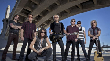 FOREIGNER Bassist Says There Are No Plans For Band To Record New Full-Length Album: 'It Really Is A Singles World Again'