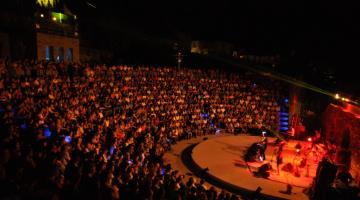 Όλα τα φεστιβάλ που διοργανώνονται τον Αύγουστο στην Ελλάδα