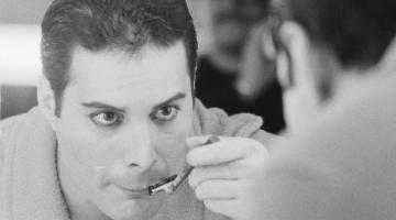 Είκοσι άγνωστες ιστορίες για τη ζωή του μεγάλου Freddie Mercury