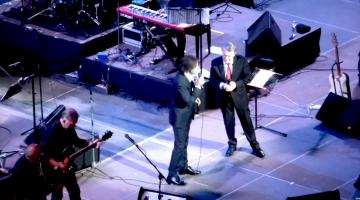 Η συναυλία του Σαλβατόρ Ανταμό και του Βασίλη Λέκκα στο Ηρώδειο για το Μουσείο της Δήλου