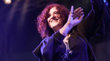 Η Μάρτθα Φριτζήλα @ Γυάλινο UpStage | ΣΑΒΒΑΤΑ του Νοεμβρίου & 1 Δεκεμβρίου