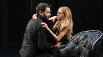 "H Ιωάννα Παππά μέσα στις τρεις καλύτερες ερμηνείες στον ""Άμλετ"" για λίγες ακόμα παραστάσεις"