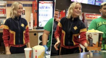 Η…Captain Marvel μοίρασε ποπ κορν στους θαυμαστές της σε κινηματογραφική αίθουσα