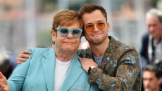 Ο Elton John τραγουδάει με τον… Elthon John
