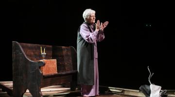 """Μεγάλη επιτυχία στην επίσημη πρεμιέρα του """"Ρόουζ"""", με την Δέσποινα Μπεμπεδέλη"""