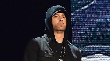 """Παγκόσμιο ρεκόρ κατέρριψε το τραγούδι """"Godzilla"""" του Eminem"""
