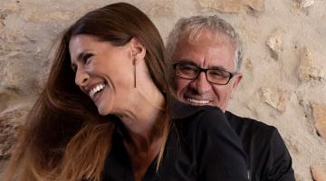 Η Ελεάννα Ζεγκίνογλου και ο Πόλυς Κυριάκου στο Μπαράκι της Διδότου