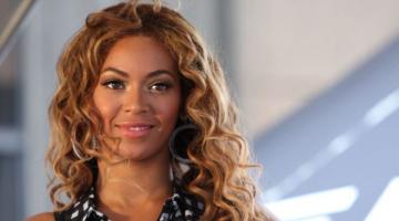Η Beyoncé αφιέρωσε το Ανθρωπιστικό Βραβείο στους διαδηλωτές του Black Lives Matter
