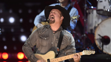 Tickets for Garth Brooks drive-in concert at Fiesta Texas, New Braunfels theaters go on sale Friday
