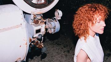 Νέο single   Κατερίνα Μακαβού «Βόλτα» σε στίχους και μουσική του Νίκου Ξαρχάκου