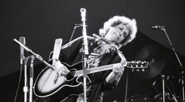 Bob Dylan reveals he wrote 'Lay Lady Lay' for Barbra Streisand in 'lost' 1971 interview
