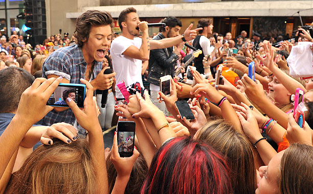 ONE-DIRECTION-FANS