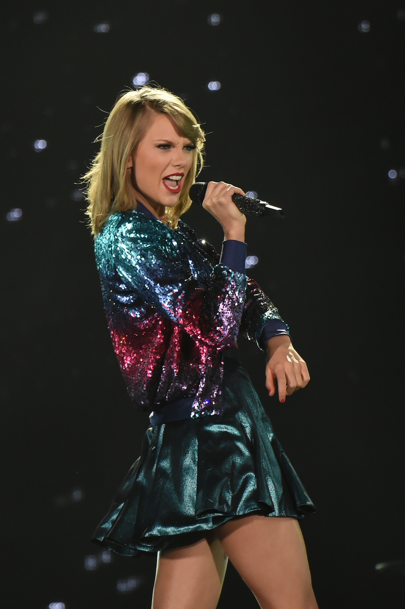 TOKYO, JAPAN - MAY 06:  Taylor Swift performs during The 1989 World Tour at Tokyo Dome at Tokyo Dome on May 6, 2015 in Tokyo, Japan.  (Photo by Jun Sato/Getty Images for TS)