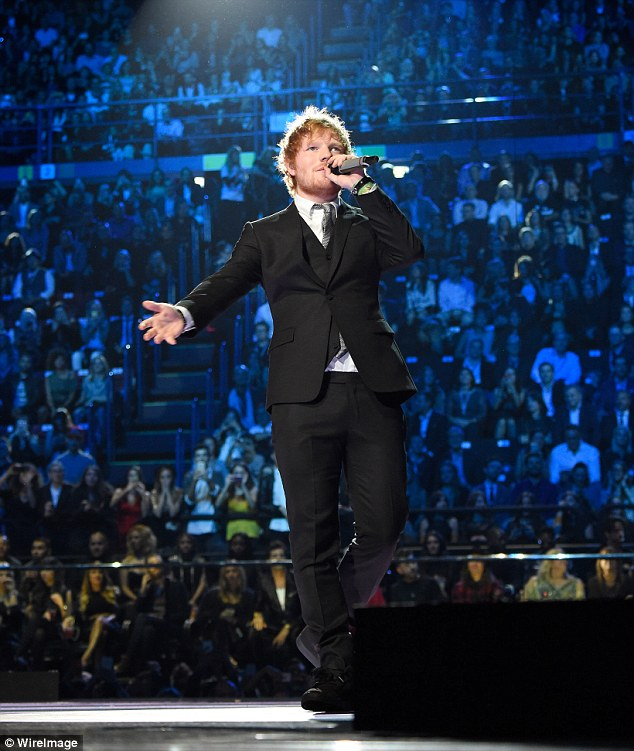 2DC6AC2200000578-3289085-Confused_Ed_Sheeran_was_seemingly_shocked_to_be_feted_with_the_a-m-2_1445816899412