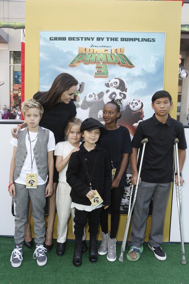 Shiloh Jolie-Pitt, Angelina Jolie, Vivienne Marcheline Jolie-Pitt, Knox Leon Jolie-Pitt, Zahara Marley Jolie-Pitt και Pax Thien Jolie-Pitt