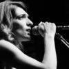 """Μαρία Βούλγαρη – """"Κάτι να με κρατά"""" – Νέο τραγούδι"""